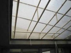 中庭の屋根