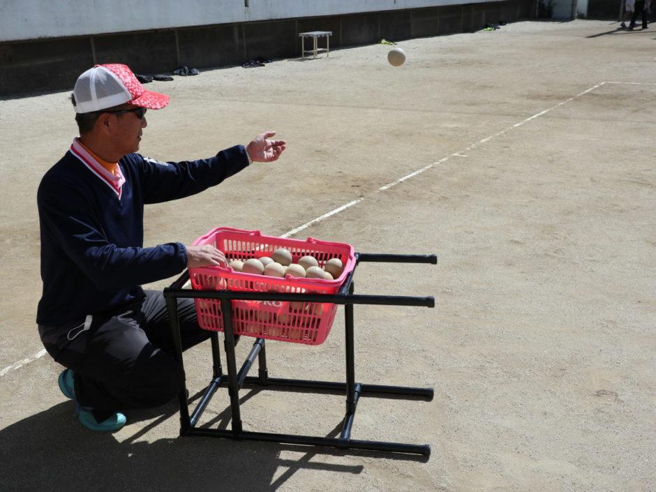 ソフトテニス専用ボールかご台(高さ可変式) その2