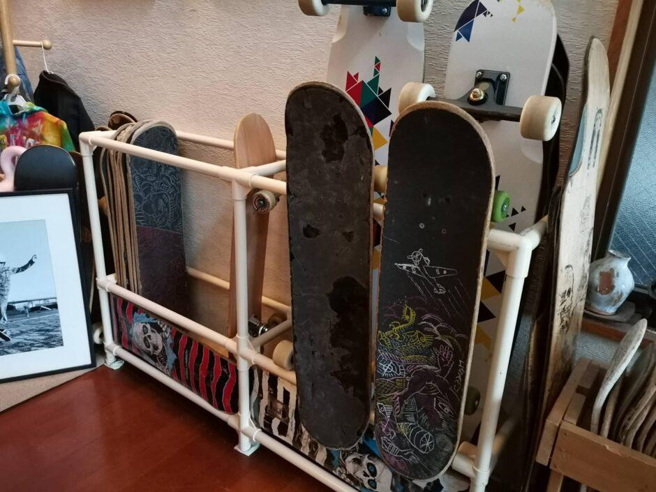 スケートボードスタンド